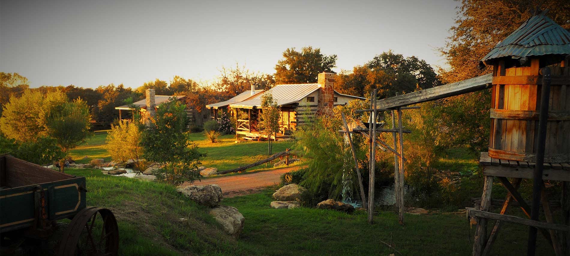cottages tx amenities cottage guest peet cabin house in fredericksburg vacation hilltop rentals